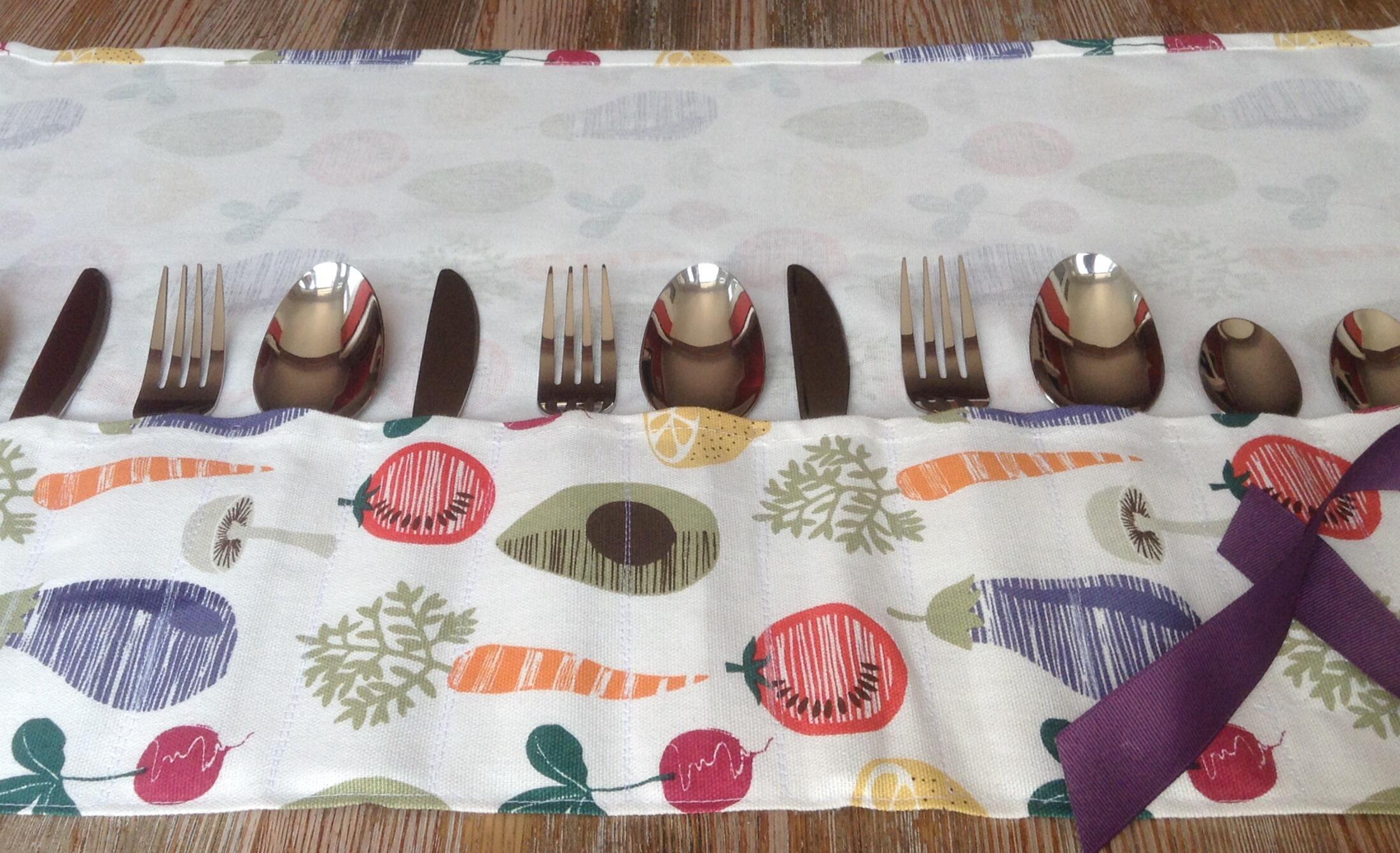 Cutlery roll