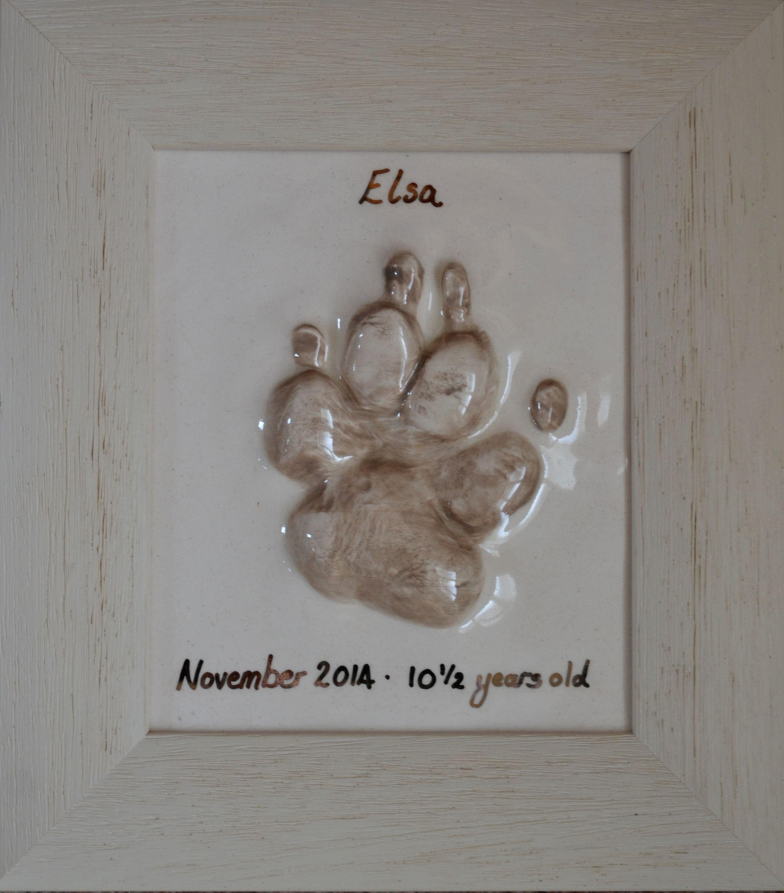 Elsa's paw tile